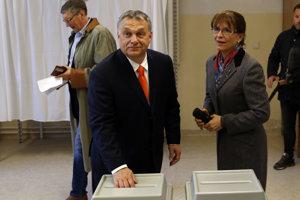 Viktor Orbán odovzdáva svoj hlas.