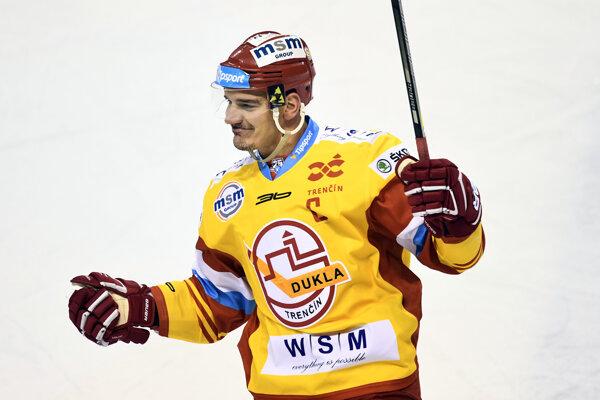 Kapitán Dukly Branko Radivojevič.
