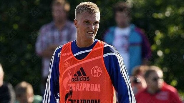 Bundesligový chlebíček ochutnal vmužstve Schalke 04 Gelsenkirchen.
