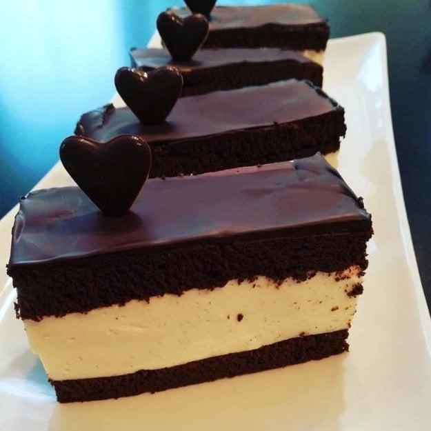 Mega čokoládový nízko-sacharidový zákusok