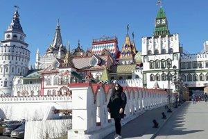 Lucia na výlete v moskovskej štvrti Izmajlovo.