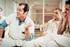 Jack Nicholson vo filme Prelet nad Kukučím hniezdom.