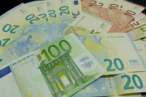 Priemerná mzda v Nitrianskom kraji atakovala štvormiestne číslo.