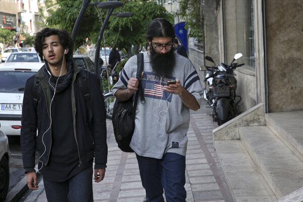 Iránske úrady zablokovali už koncom marca internetovú aplikáciu Telegram.