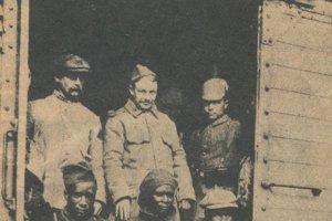 Vojnoví zajatci francúzskej armády.