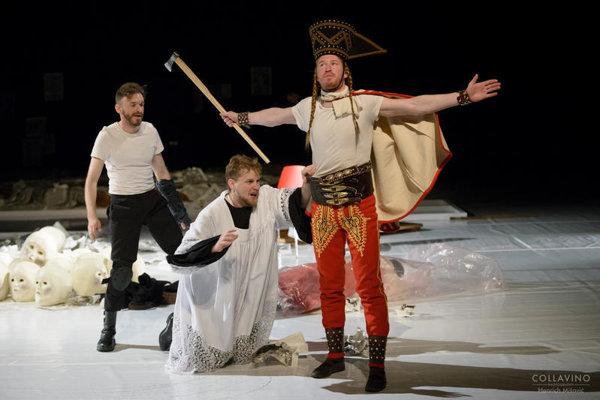Záber z predstavenia Jánošík v DAB.