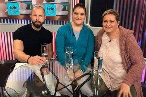 Monika Stupianská (vpravo) vTeleráne sdcérou Ninou astrénerom všou Najväčší víťaz Janym Landlom.