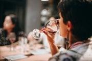 Alkohol môže u žien výrazne zvýšiť riziko predmenštruačného syndrómu.