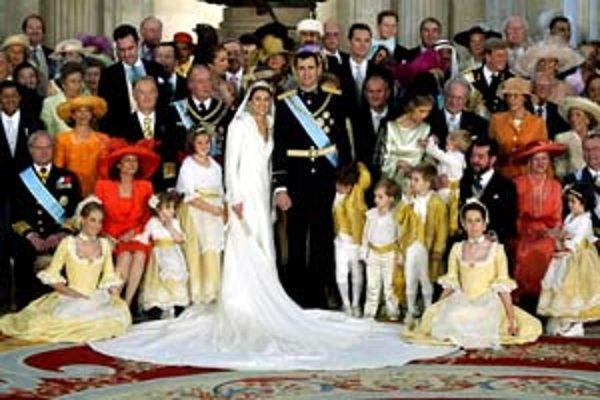 Rodinná fotografia španielskej kráľovskej dynastie.