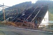 Zhorená tribúna v Krásne nad Kysucou.