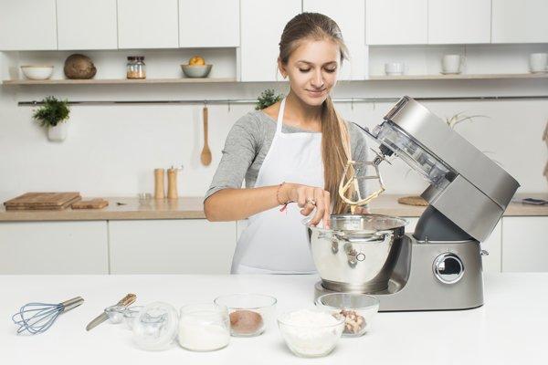 Najväčšiu spotrebu energie v domácnosti majú kuchynskí pomocníci.