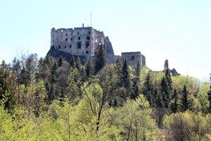 Na Liptove sú iba tri hrady, jeden z nich je Likava. Z Liptovského Hradu nad Kalamenmi zostali iba ruiny, tretí hrad je v Liptovskom Hrádku.
