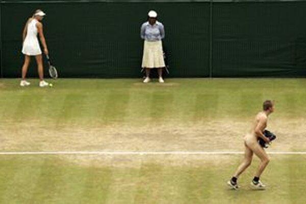 Jediný účel: hrať tenis.