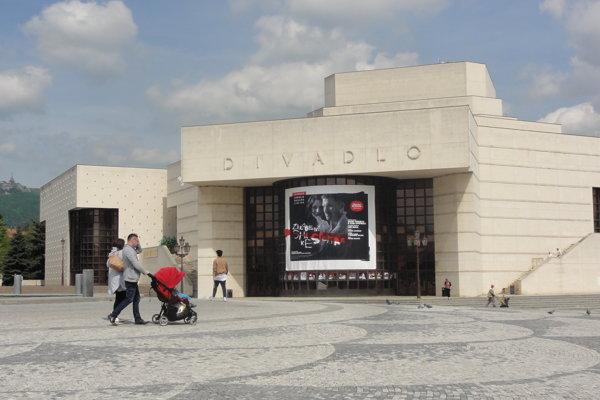 Divadlo A. Bagara v Nitre.