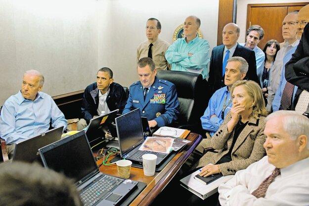 Čo vidia – pravdu o smrti bin Ládina? Alebo lož? FOTO - TASR/AP