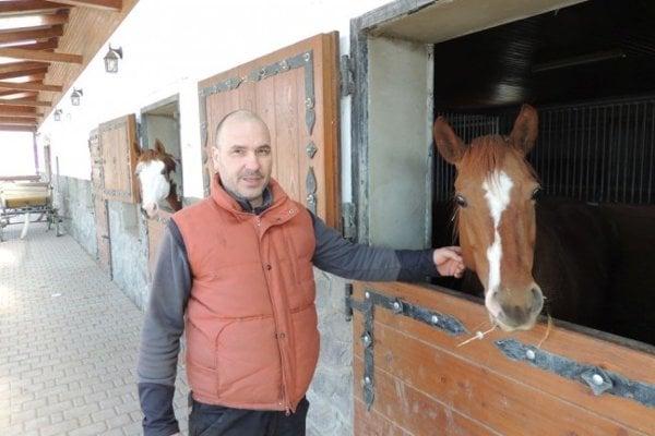 Ján Svitok, majiteľ ekofarmy vobci Kremnické Bane.