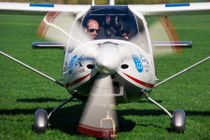 Skyper GT9.