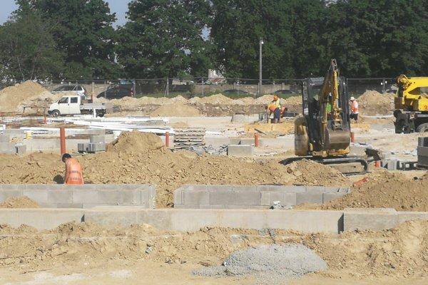 Stavba napreduje, otvoriť chcú koncom roka.