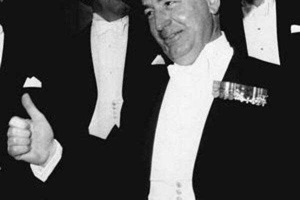 Walter Annenberg bol ako americký veľvyslanec v Londýne obľúbený aj u kráľovnej.