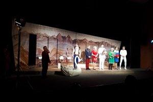 Divadlo Andreja Bagara z Nitry spolu s autorom hry DOBRO- Lacom Keratom.