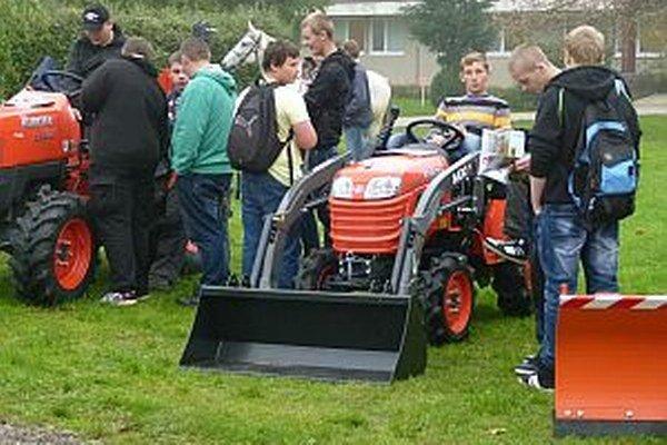 Prezentácia poľnohospodárskej techniky.