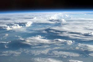 Ozón v stratosfére vstrebáva veľké časti škodlivého žiarenia. Ilustračná fotografia.