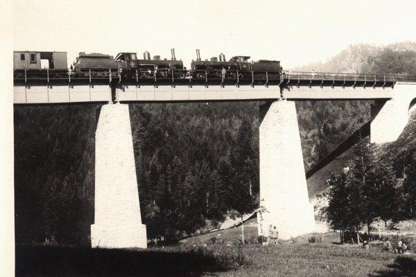 Skúška železničného mosta v Hornej Štubni.