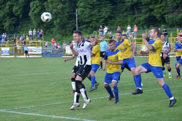 Rožňava zdolala gólom vzáverečných sekundách Vranov 1:0.