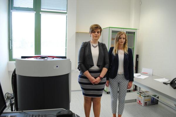 Andrea (vľavo) aLenka využívajú nový stroj tiež.