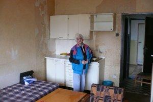 Takáto izba v bytovka stojí mesačne vyše 120 eur.