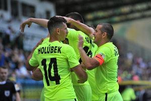 Hráči Žiliny sa radujú po jednom z gólov.