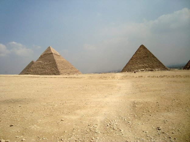Pyramídy v Egypte prilákajú najviac turistov.