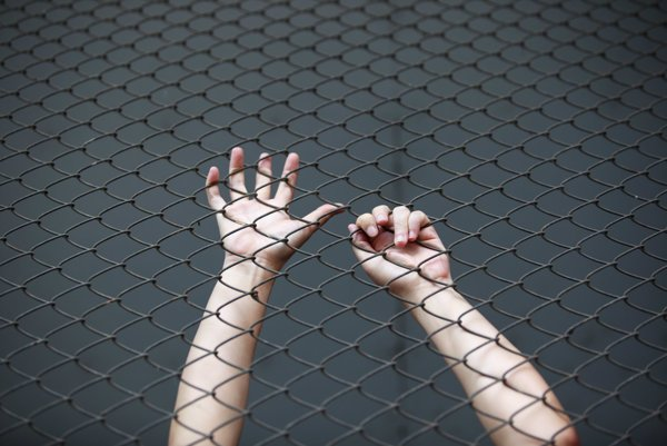 Platenie výkupného za unesených občanov nie je vo svete ojedinelé, hoci oficiálne vlády deklarujú, že s teroristami nevyjednávajú. (ilustračné foto)