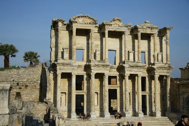 Dovolenku na Egejskej riviére spestrí výlet za ruinami starobylého mesta Efeze.