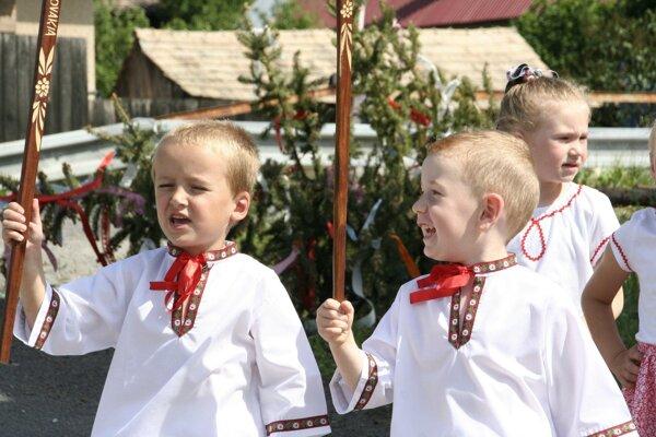Deťom sa tradície predkov veľmi páčia, vychutnali si ich aj včera.