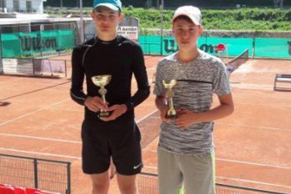 Vľavo šampión Matej Muránsky.