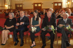 Ocenení: zľava Monika Lobodášová, Jozef Csütörtöky, Barbora Kureková-Geržová, Bohumil Milata a František Perger.
