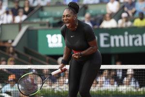 Serena Williamsová sa raduje z triumfu.