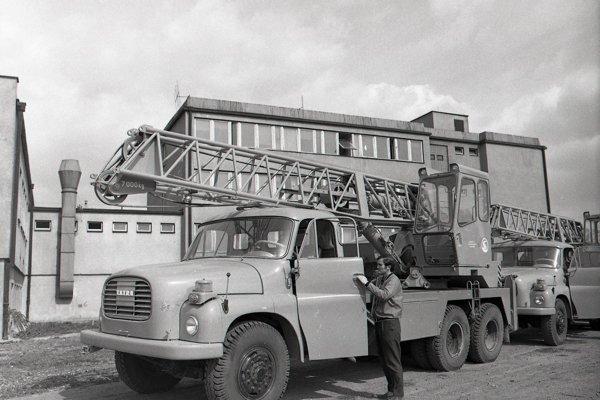 Aj tento autožeriav sa kedysi vyrábal v martinských strojárňach.