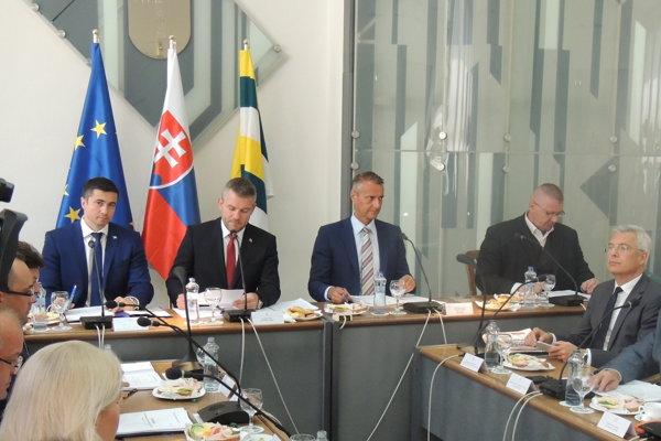 Výjazdové rokovanie vlády vo Fiľakove.