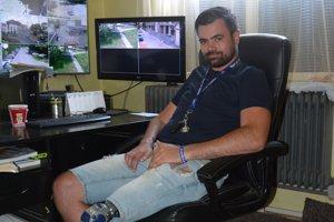 Karol dnes pracuje na Mestskej políci v Rimavskej Sobote.