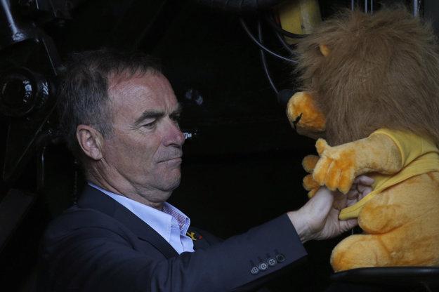 Bernard Hinault sa pustil do Chrisa Froomea.