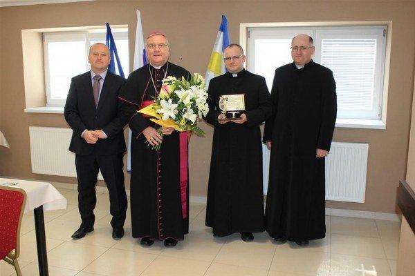 Diecézny biskup sa stretol aj so starostom obce.