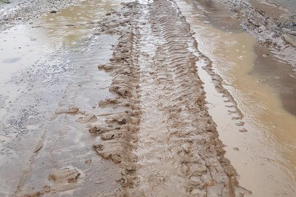 Bahno dnes znečistilo niekoľko ulíc v Horných aj Dolných Krškanoch.