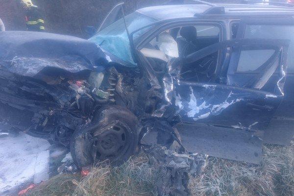 Dopravná nehoda si vyžiadala viacero zranených.