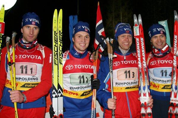 Egil Gjelland (vľavo) sa stal novým trénerom českých biatlonistiek.