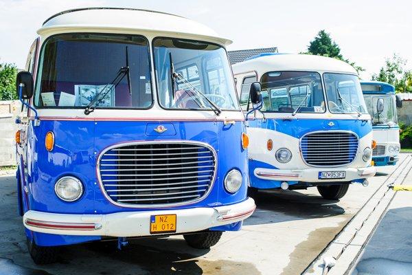 Historické autobusy počas 1. veľtrhu autobusov a autobusovej dopravy na Slovensku.
