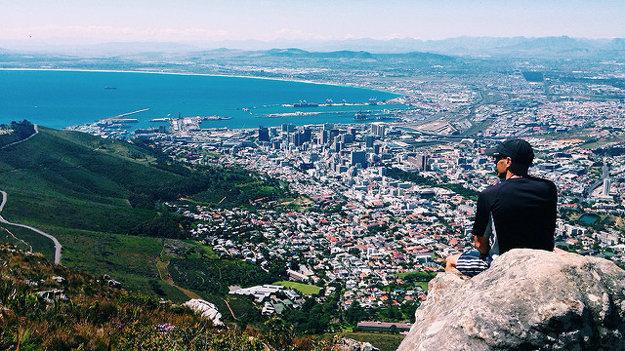 Pohľad zo skaly Levia hlava, Kapské mesto.