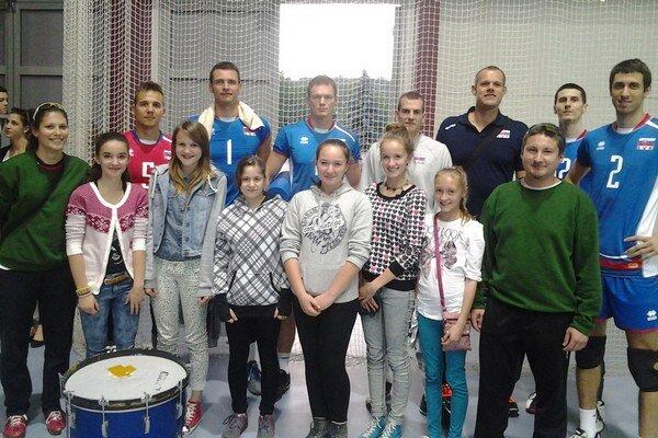 Budúce volejbalové hviezdy so slovenskými reprezentantmi.