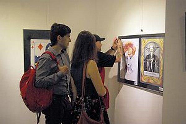 Návštevníci sa mohli zapojiť aj do ankety o najlepší obraz a fotografiu. Tieto obrazy zaujali okrem Adama Matúšova aj iných.